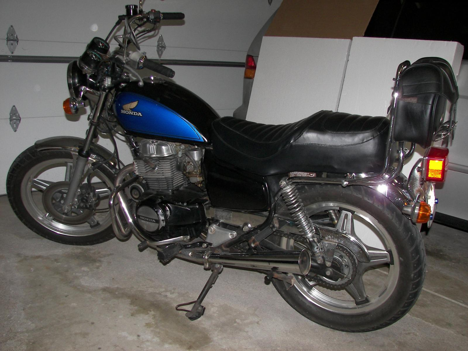 My 2003 Honda Shadow Spirit 750DC-1982-honda-cm450-custom-left-2012-0323.jpg