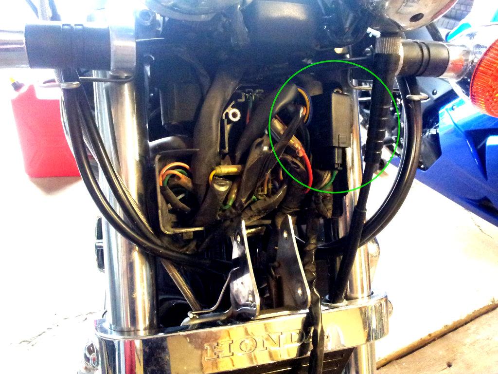 Where is turn signal relay on 1986 Shadow VT750 - Honda ...