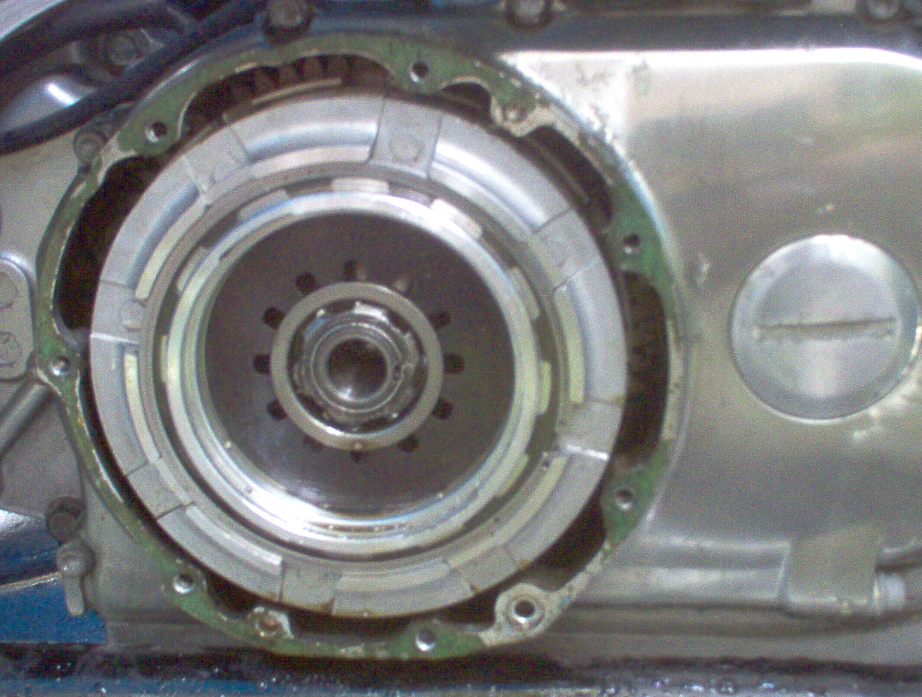 clutch lock nut-im000246.jpg