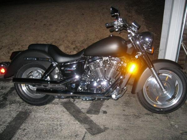 Showcase cover image for cleensmoke666's 2007 Honda shadow sabre